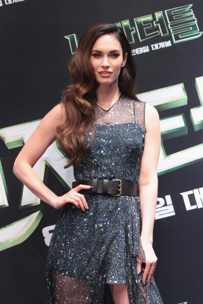 megan-fox-sheer-jonathan-saunders-dress02