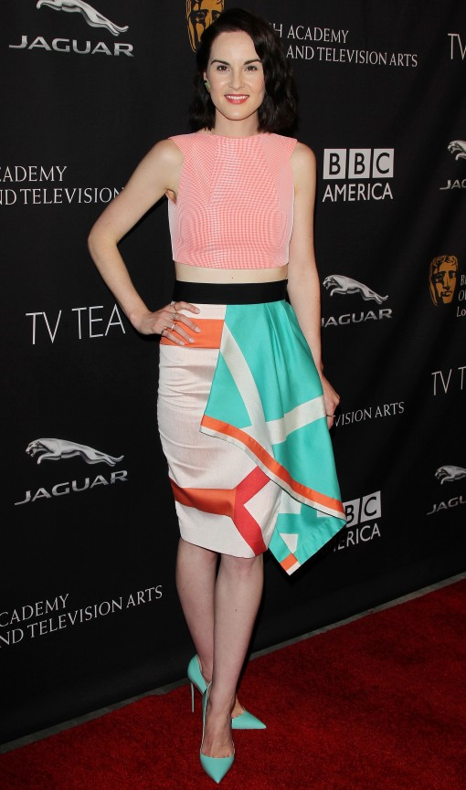 michelle dockery spl827424 001 510x865 Michelle Dockery in Roland Mouret at the 2014 BAFTA Los Angeles TV Tea Party