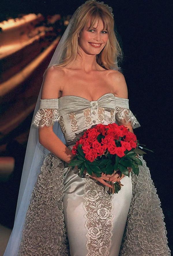 Claudia Schiffer at Valentino haute couture s/s 1995.