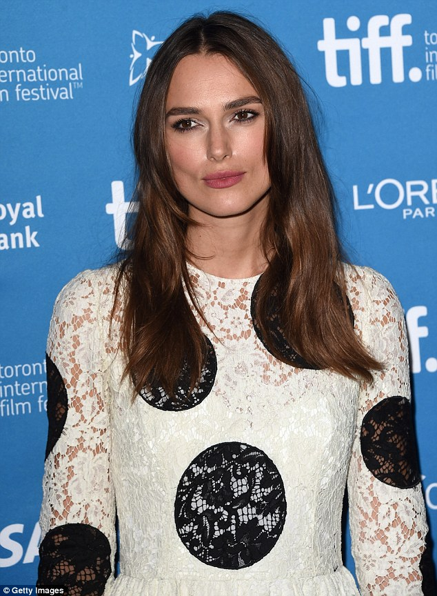 keira-knightley-dolce-gabbana-imitation-game-toronto-film-festival-press-conference/