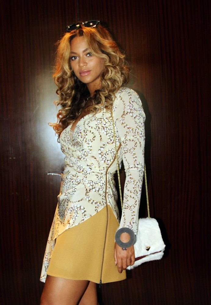 beyonce-knowles-topshop-unique
