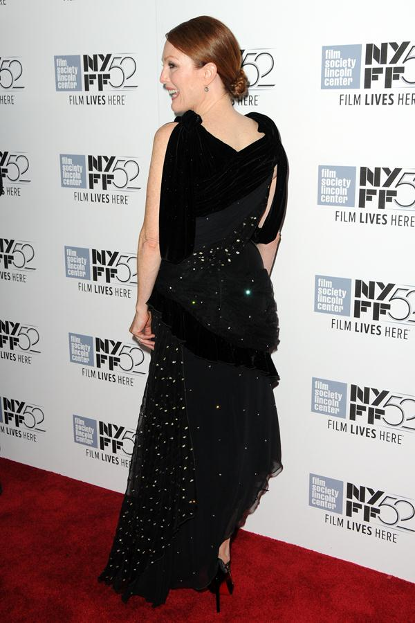 Julianne-Moore-gown-Maps-To-The-Stars-Premiere-4
