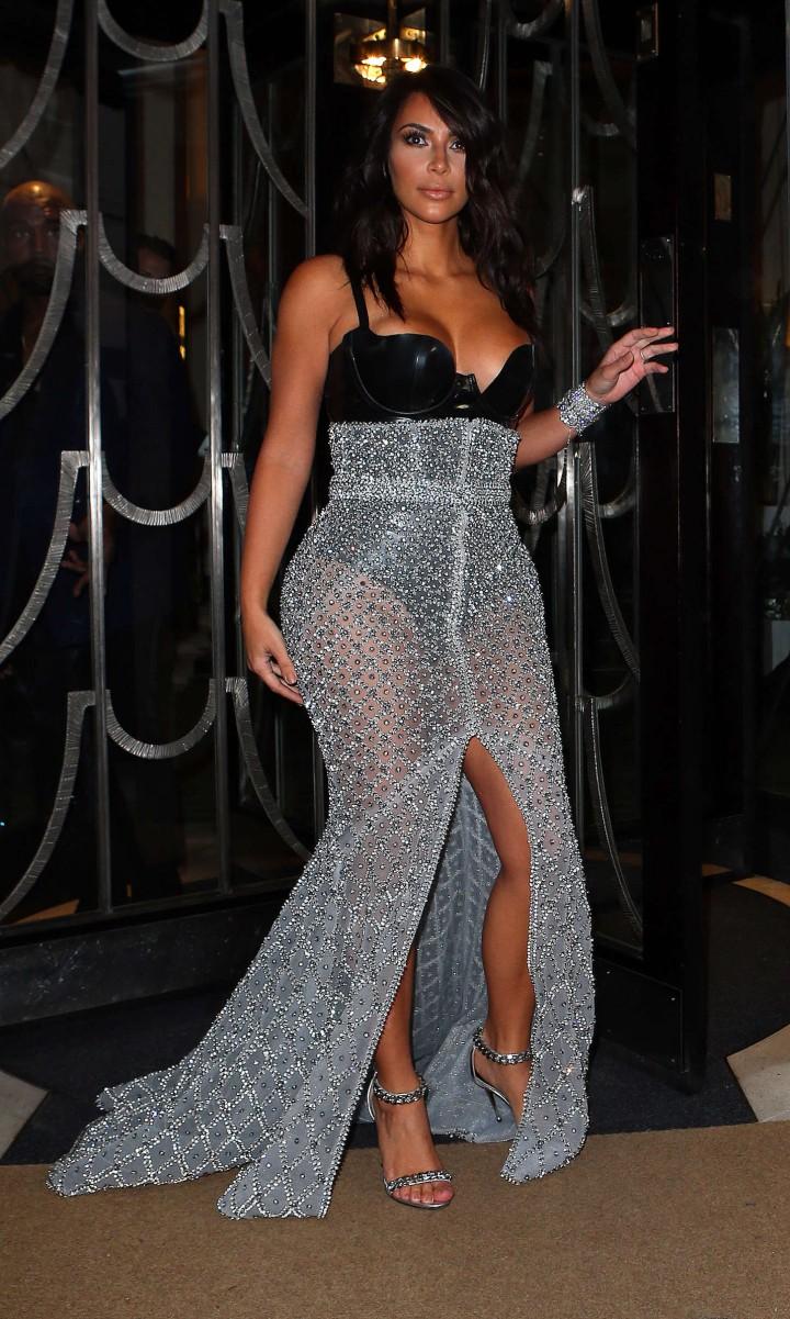 Kim-Kardashian-2014-GQ-Men-of-the-Year-Awards-36-720×1201
