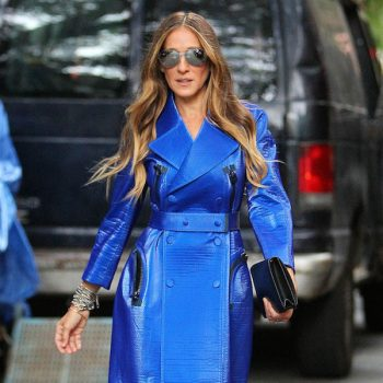 Sarah-Jessica-Parker-in-Calvin-Klein-Collection-Resort-2015-Electric-Blue-Trench-Coat-at-the-Calvin-Klein-Collection-Spring-2015-NYFW-SS15-show-3-1 (1)