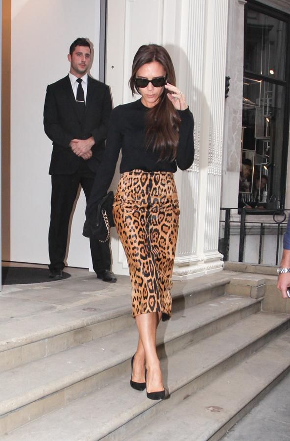 Victoria-Beckham-outfit-visit-to-her-Dover-Street-retail-store-3