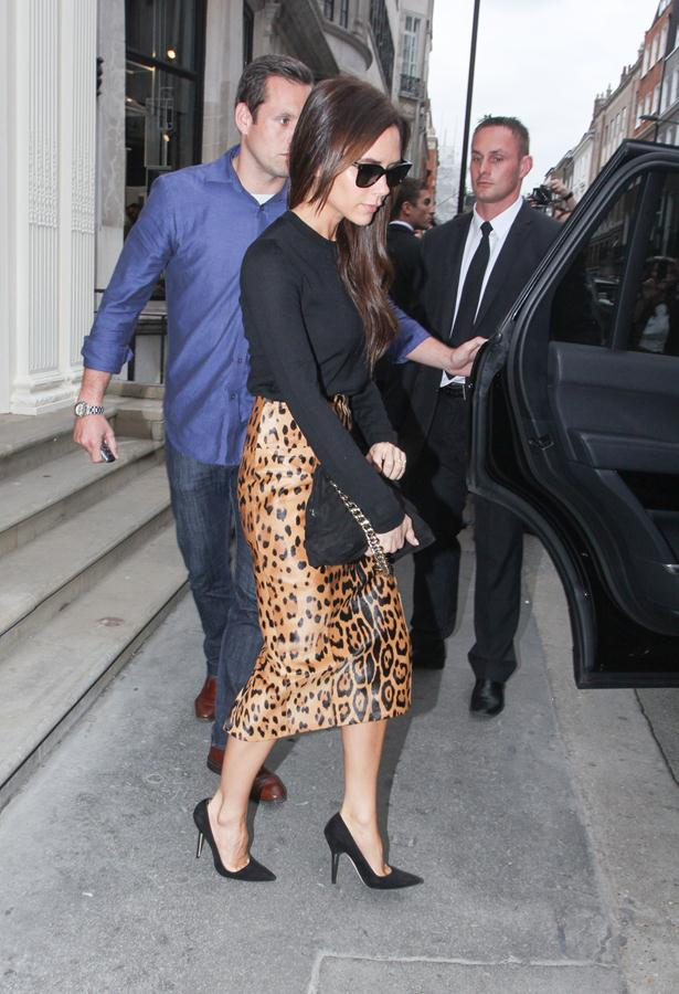 Victoria-Beckham-outfit-visit-to-her-Dover-Street-retail-store-5