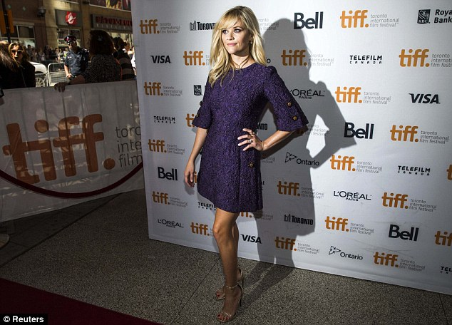 reese-witherspoon-dolce-gabbana-good-lie-toronto-film-premiere/