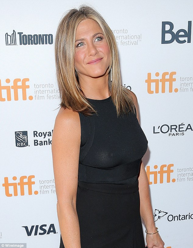 Jennifer -Aniston- attends - the - 'Cake'- Toronto- Film -Festival -Premiere
