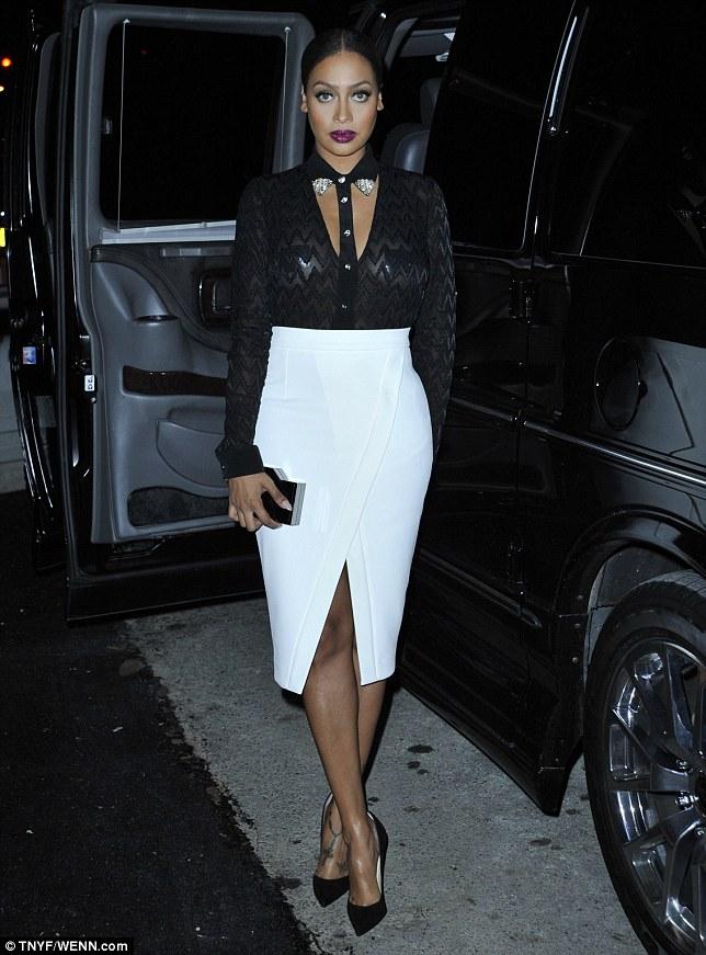 Celebrity Street Style with Jennifer Lawerence, Rihanna ... Victoria Beckham Dresses