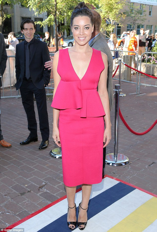aubrey-plaza-premiere-of-ned-rifle-at-tiff1