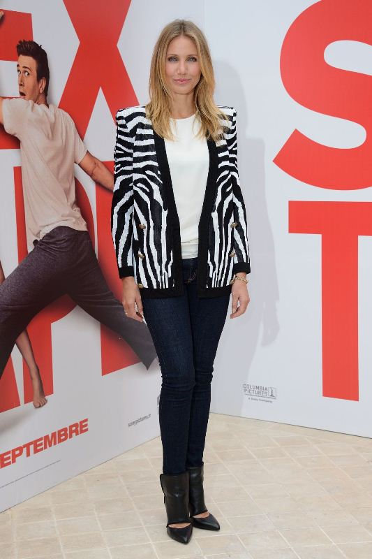 cameron-diaz-hotel-bristol-paris-sex-tape-photocall-balmain-cardigan