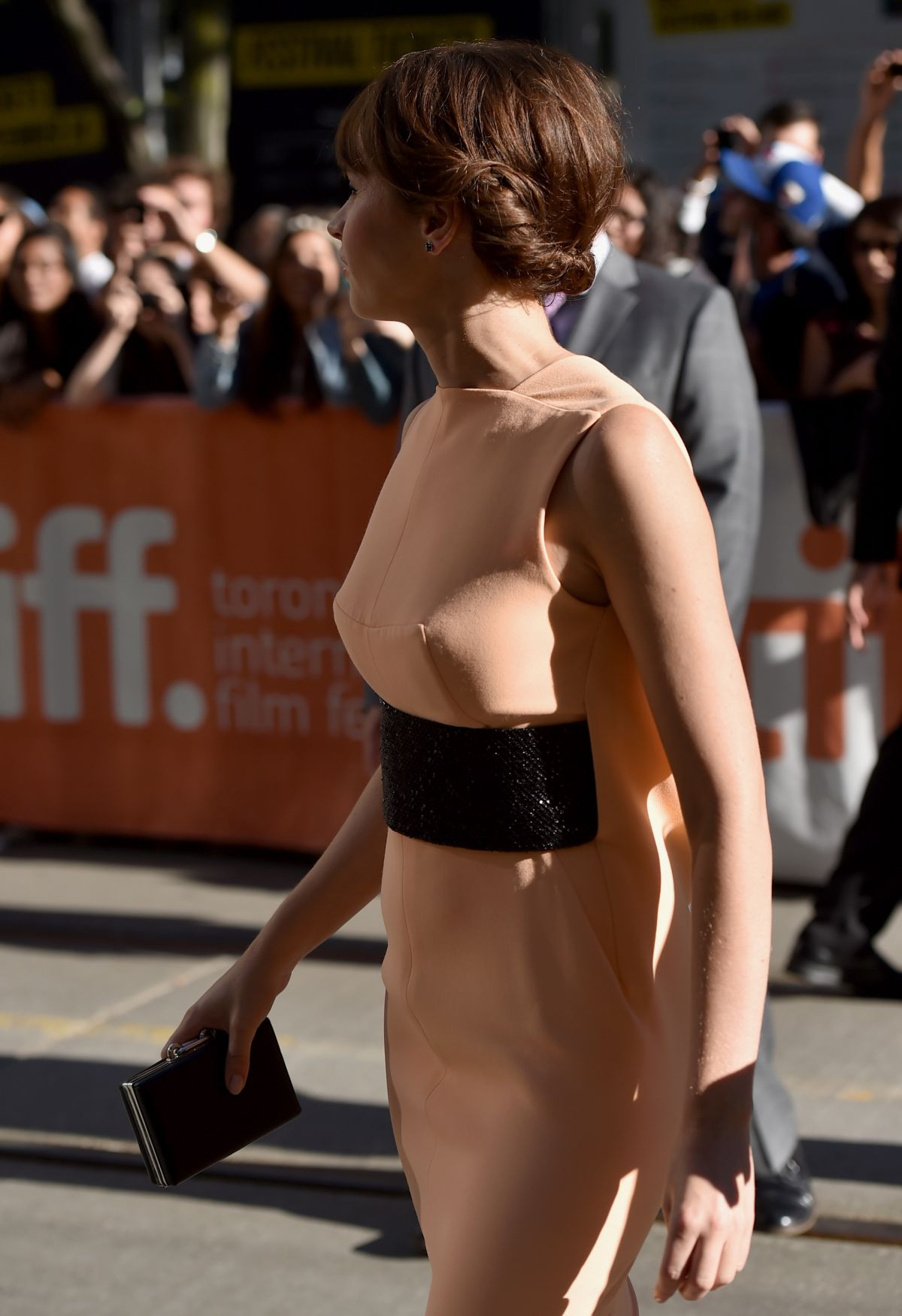 felicity-jones-at-the-theory-of-everything-premiere-in-toronto_3