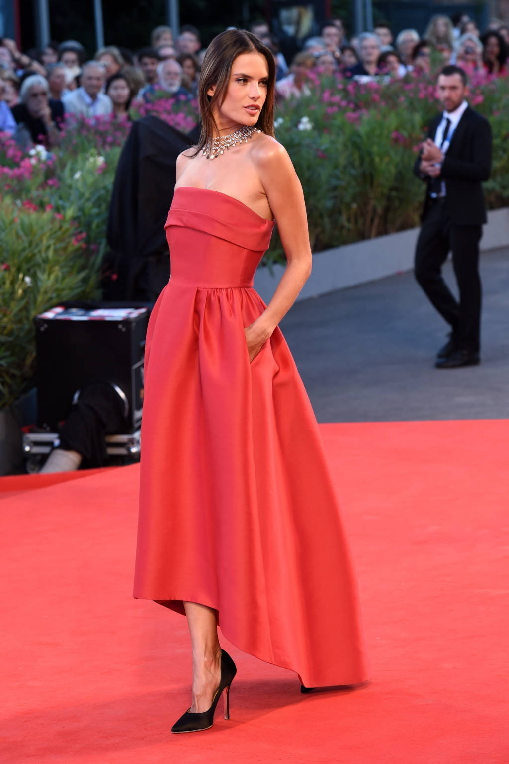 Alessandra- Ambrosio- in- Alberta -Ferretti -at the -Venice -Film -Festival premiere-