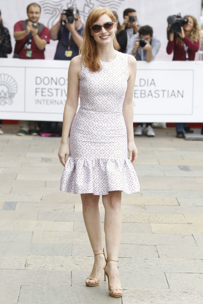 jessica-chastain-white-michael-kors-dress01