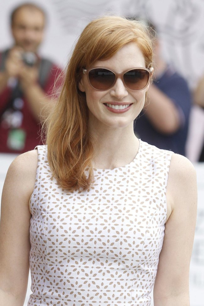 jessica-chastain-white-michael-kors-dress02-1