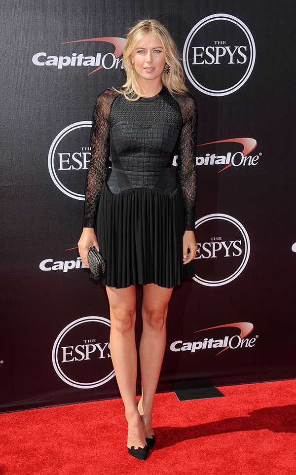 in Antonio Berardi Fall A BOTTEGA VENETA black clutch, WALTER STEIGER black suede laser cut-out pumps at the 2014 ESPYS