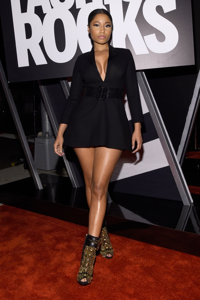 nicki-minak-black-jacket