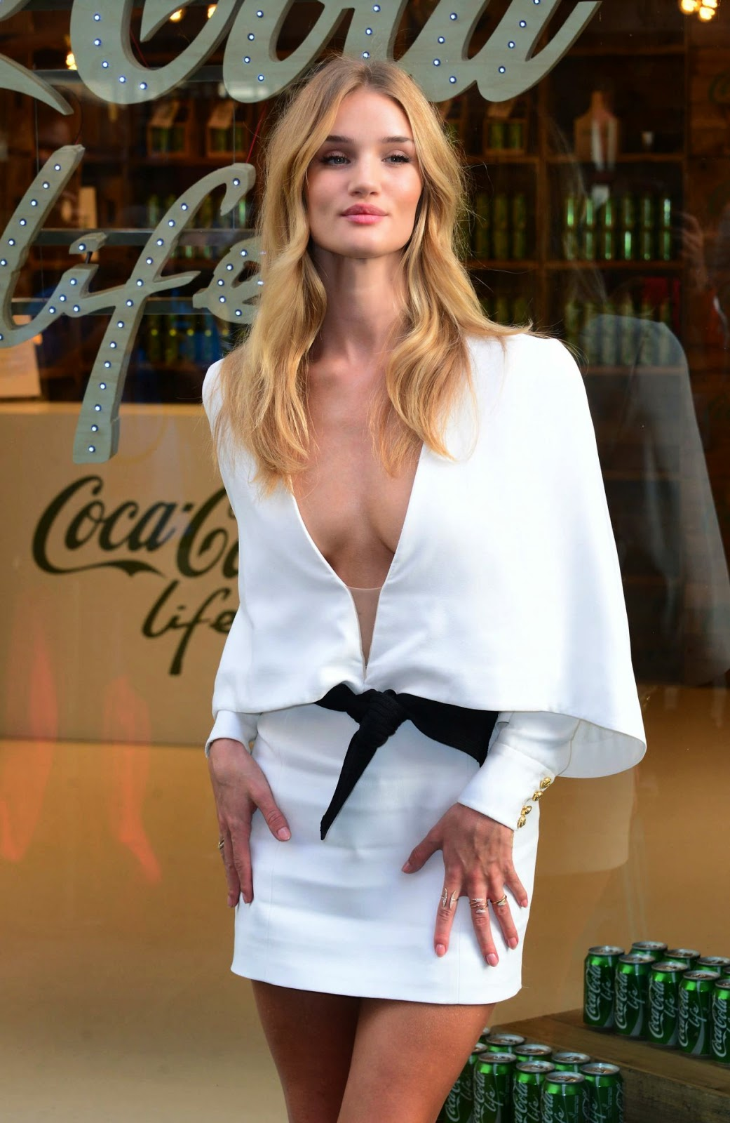 rosie-huntington-whiteley-01