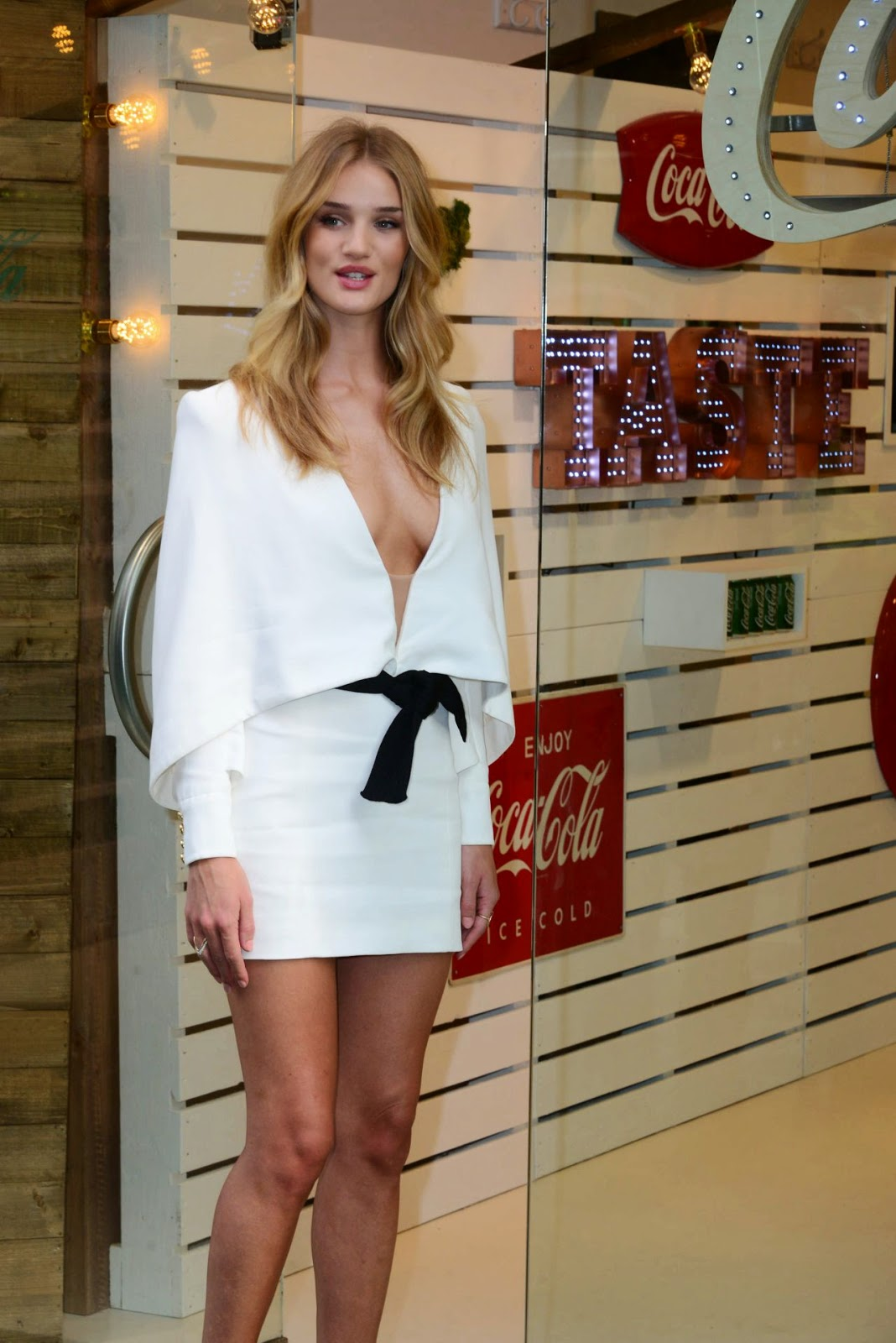 rosie-huntington-whiteley-04
