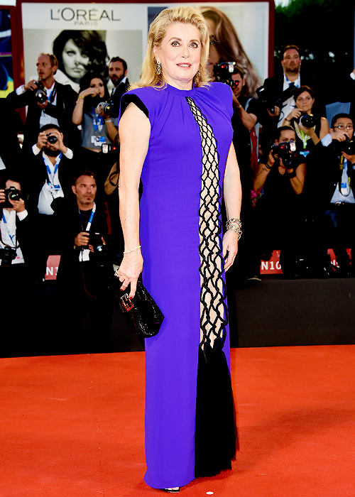 tumblr nb4xuzV82z1qbfp5lo1 500 Catherine Deneuve wears  Jean Paul Gaultier Couture  at The  '3 Coeurs' Venice Film Festival Premiere