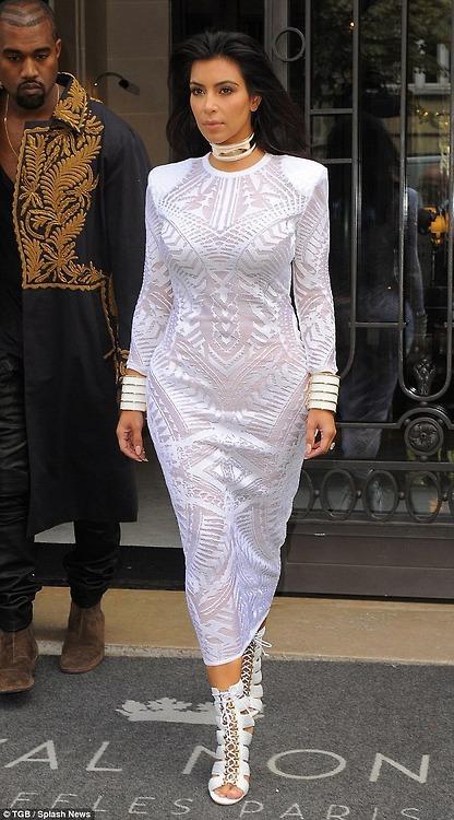 Kim Kardashian and -Kanye- West -at- Balmain -Spring- 2015- Front- Row