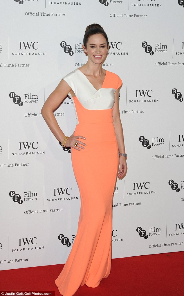 Emily -Blunt -in -Roland -Mouret -at- the -IWC- Gala -Dinner