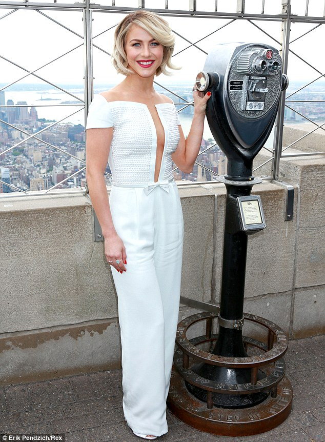 /julianne-hough-georges-hobeika-couture-empire-state-building/