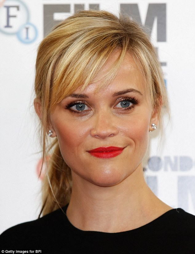 reese-witherspoon-giambattista-valli-wild-london-film-festival-photocall