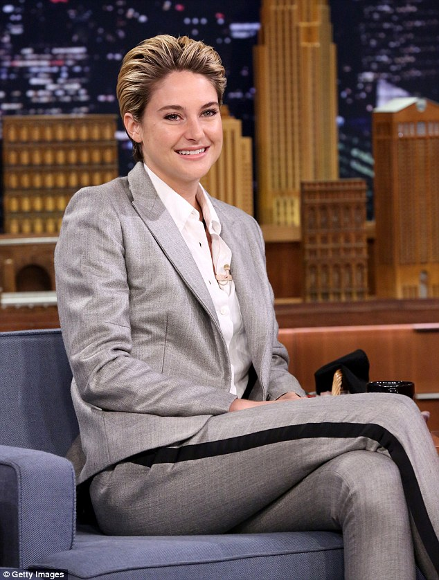 Shailene- Woodley- wears - Rag -& -Bone - 'The -Tonight -Show -Starring -Jimmy -Fallon'