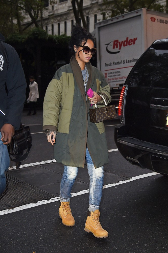 3 Rihannas New York City Isabel Marant Etoile Green Quilted Flor Colorblock Coat 665x1000 1 Rihanna in Isabel Murant   New York City Streetstyle