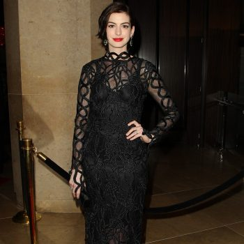 Anne-Hathaway-in-Rope-Lace-Dress