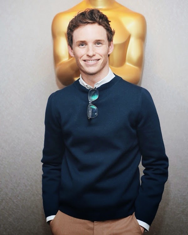 Eddie+Redmayne+wears+Gucci+Fall+Winter+2014+navy+knitwear+and+beige+trousers+to+'The+Theory+of+Everything'+Screening+in+NYC+-+21+October+2014