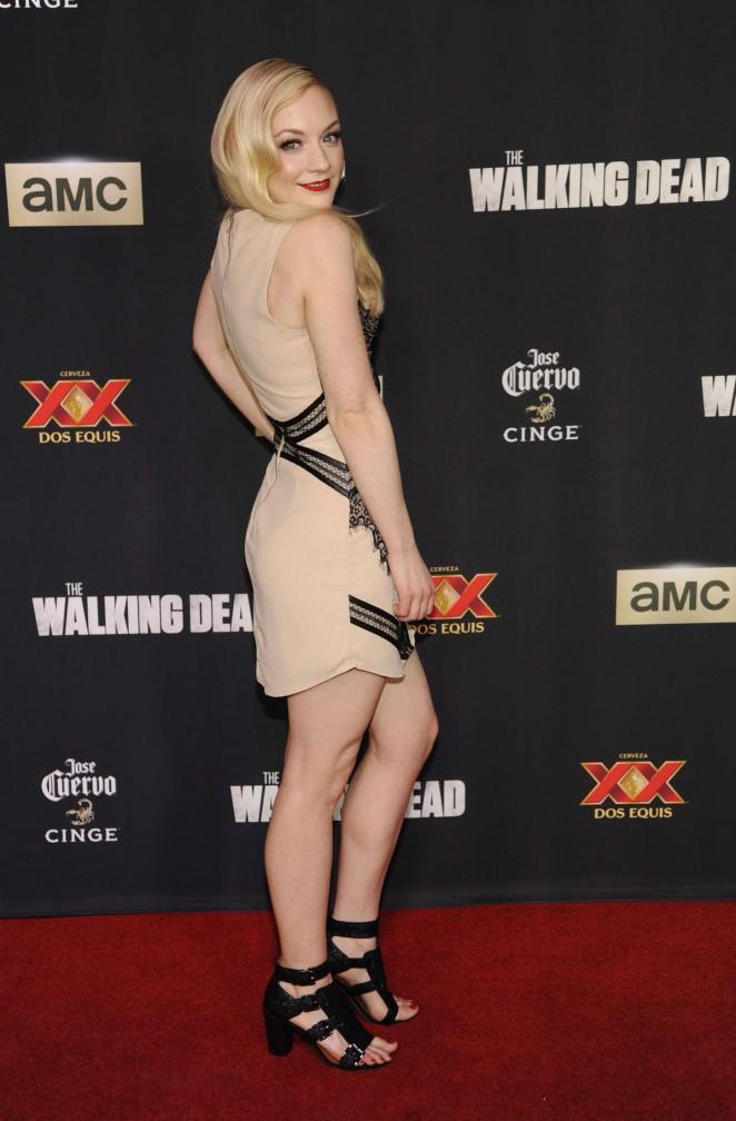 Emily-Kinney--The-Walking-Dead-Season-5-Premiere--02-662x1008