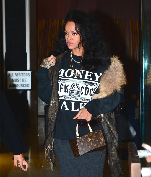 rihanna-spye-x-shicnyc-money-talks-sweatshirt-new-balance-574-sneakers-in-white-and-grey-and-italia-independent