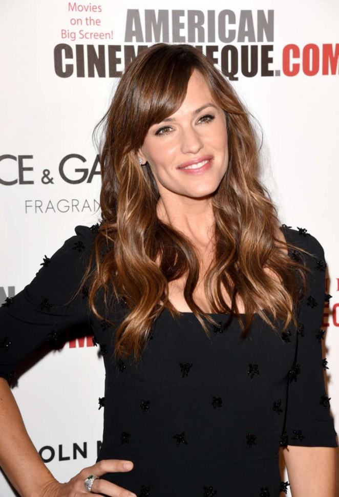 Jennifer-Garner--2014-American-Cinematheque-Award--01-662x968