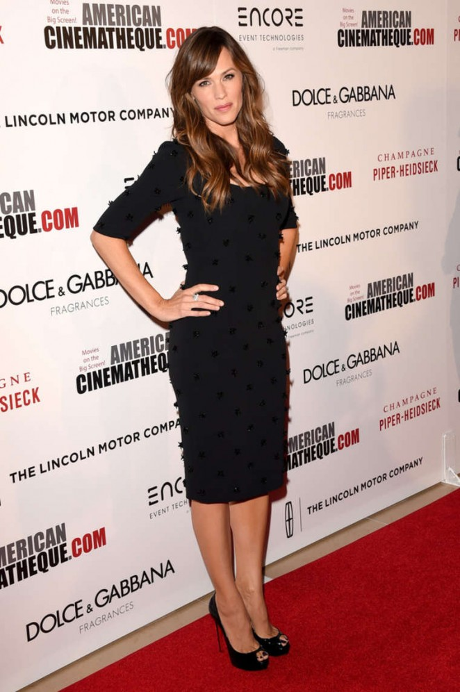 Jennifer-Garner--2014-American-Cinematheque-Award--03-662x996