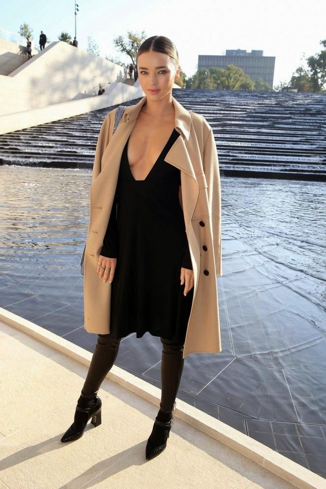 Miranda-Kerr-Louis-Vuitton-Fashion-Show-2015-02