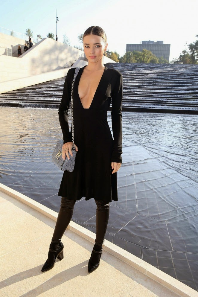 Miranda-Kerr-Louis-Vuitton-Fashion-Show-2015-04