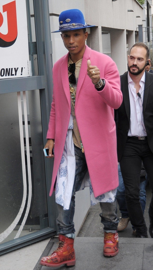 Pharrell-In-Celine-Fall-2014-Pink-Cashmere-Coat-Leaving-The-Four-Seasons-George-V-Hotel-in-Paris