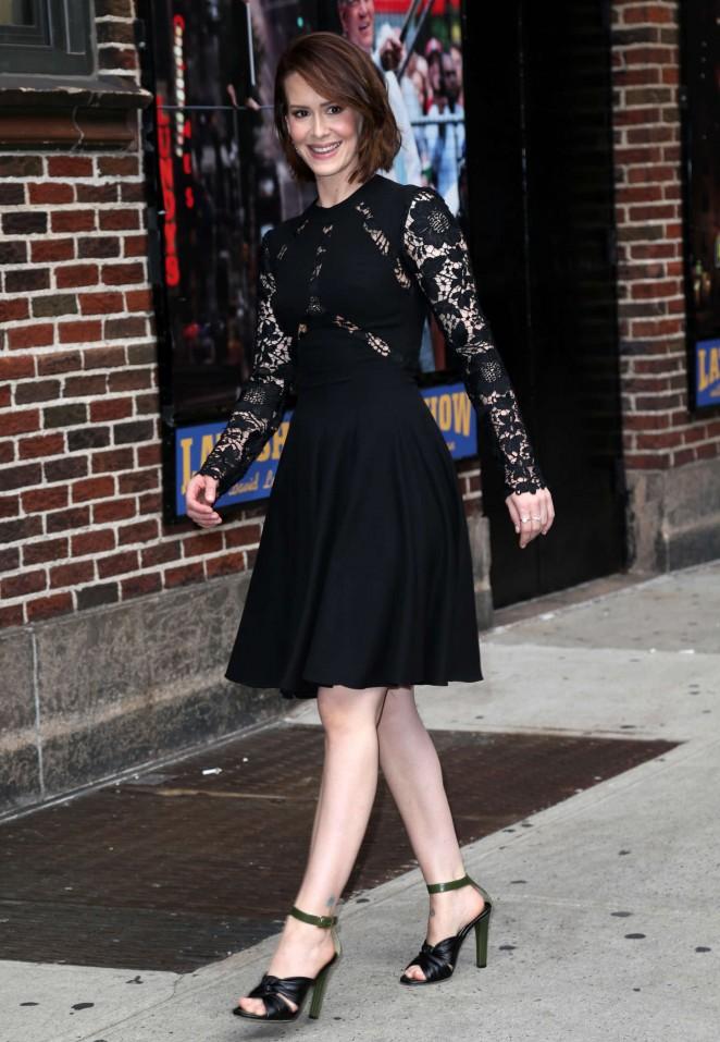 Sarah-Paulson-at-Late-Show-With-David-Letterman-02-662×957