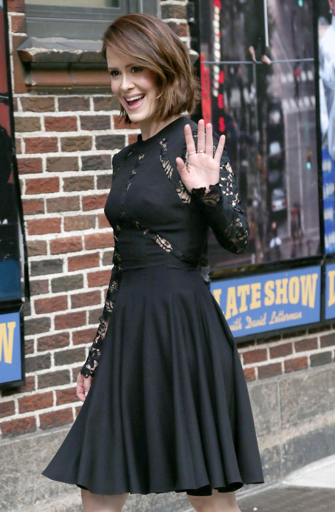 Sarah-Paulson-at-Late-Show-With-David-Letterman--07-662x1010