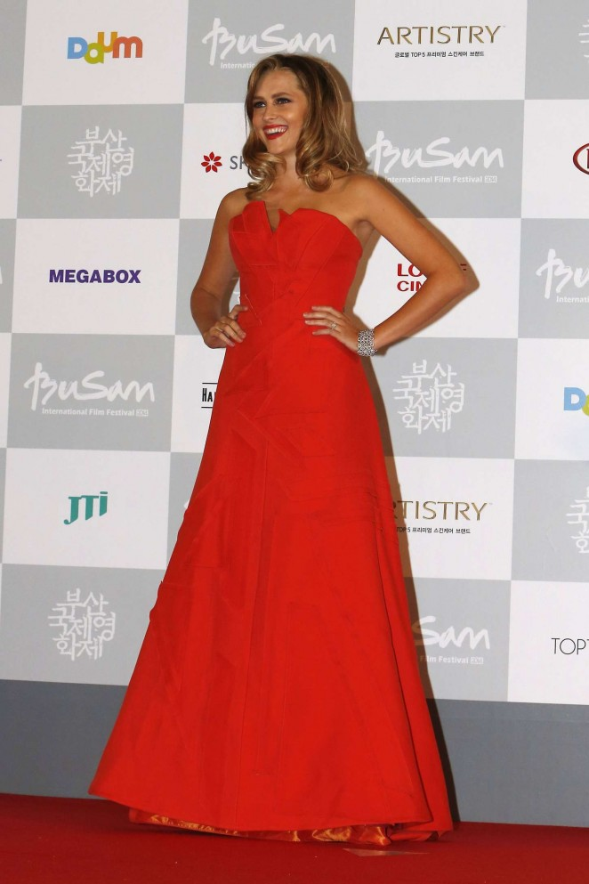Teresa-Palmer--2014-Busan-International-Film-Festival-Opening-Ceremony--01-662x993
