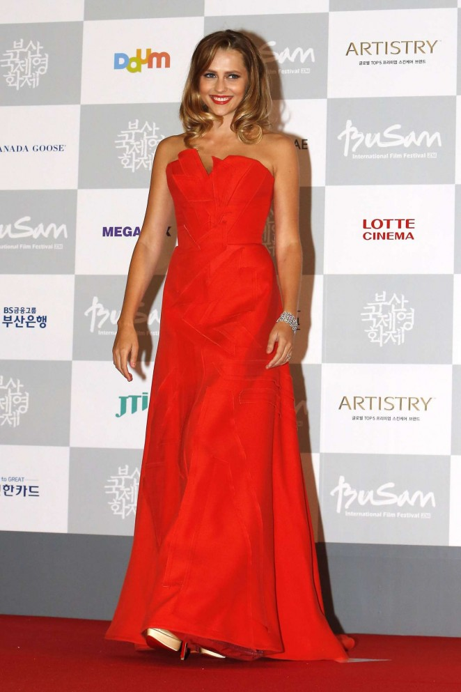 Teresa-Palmer--2014-Busan-International-Film-Festival-Opening-Ceremony--10-662x993
