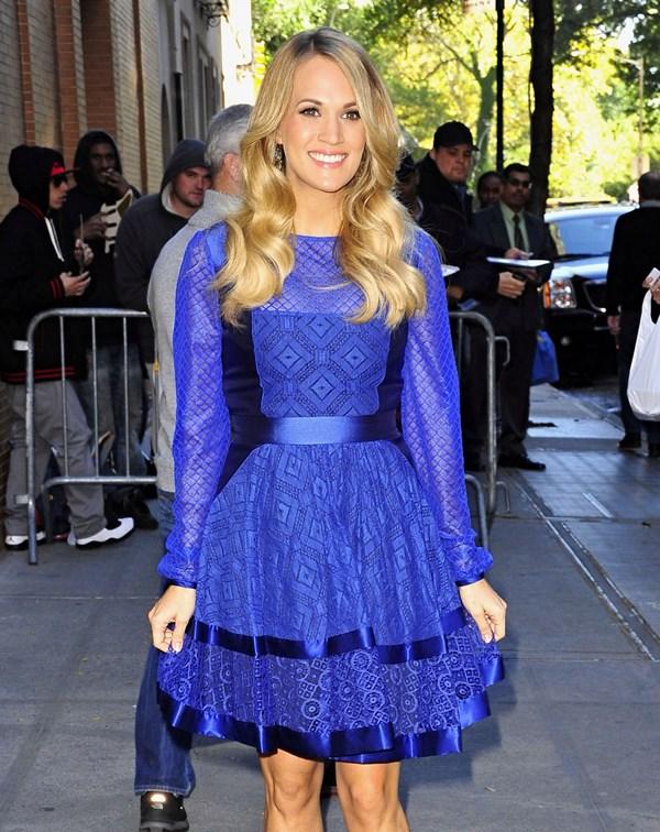 carrie underwood blue 28oct14 01 Carrie Underwood wears  Temperley London – The View