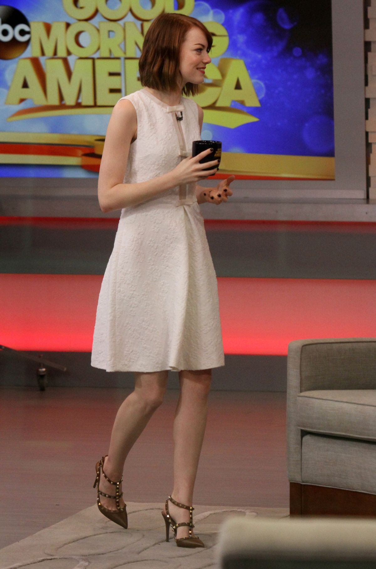 emma-stone-at-good-morning-america-in-new-york-1510_3