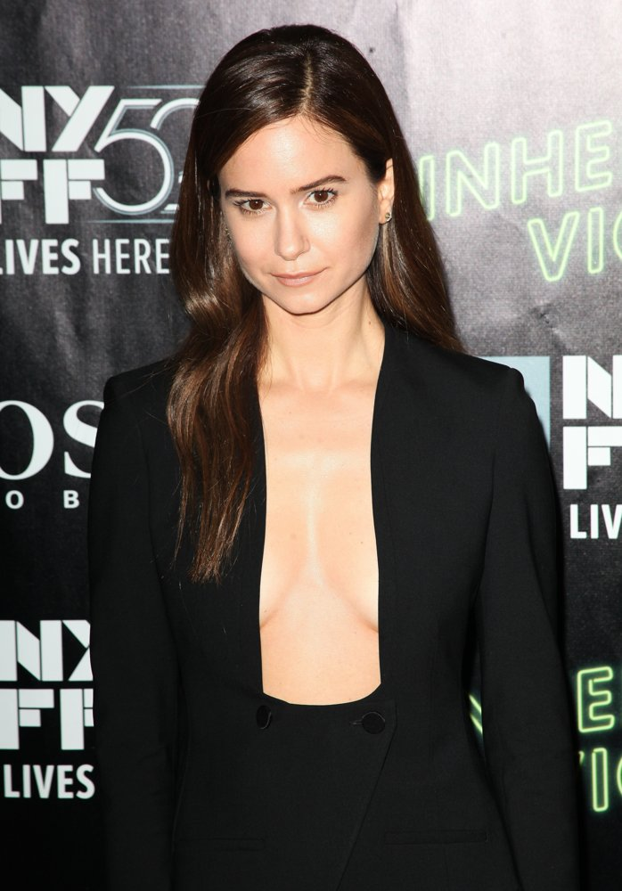 katherine-waterston-52nd-new-york-film-festival-01