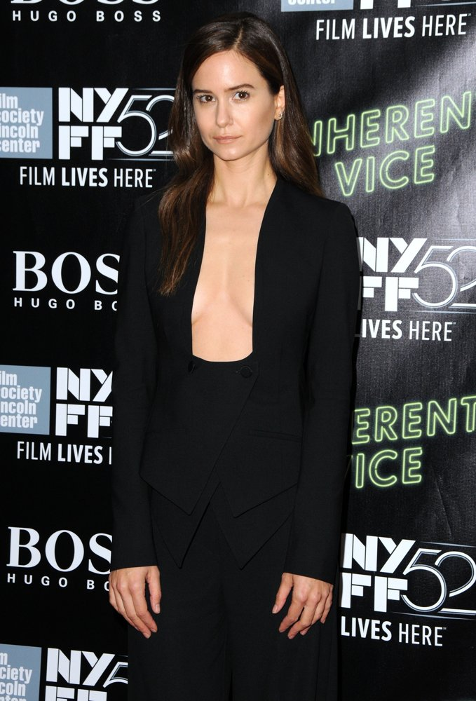 katherine-waterston-altuzarra-inherent-vice-new-york-film-festival-premiere/