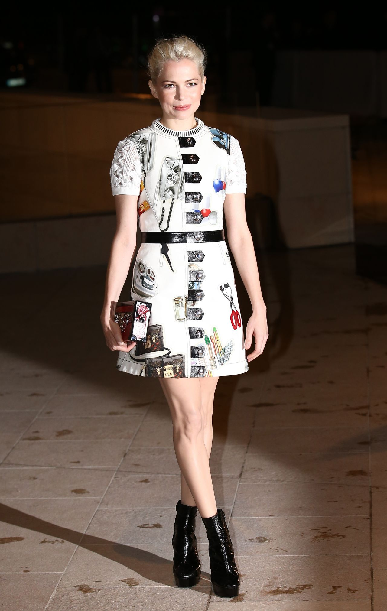 michelle-williams-in-france-foundation-louis-vuitton-opening-in-boulogne-billancourt_1