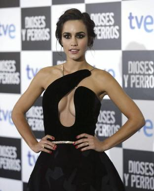 megan-montaner-stephane-rolland-couture-dioses-y-perros-madrid-premiere/