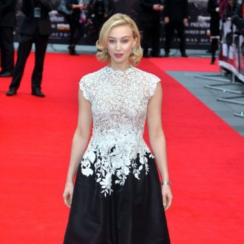 sarah-gadon-on-red-carpet-dracula-untold-premiere-in-london_2